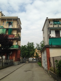 l'ingresso ai cortili su via Segneri